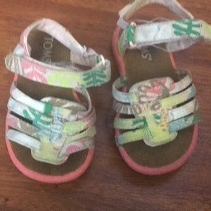 Toms toddler size 5 sandals gently used